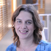 Photo of Dr Sarah J Lindsay